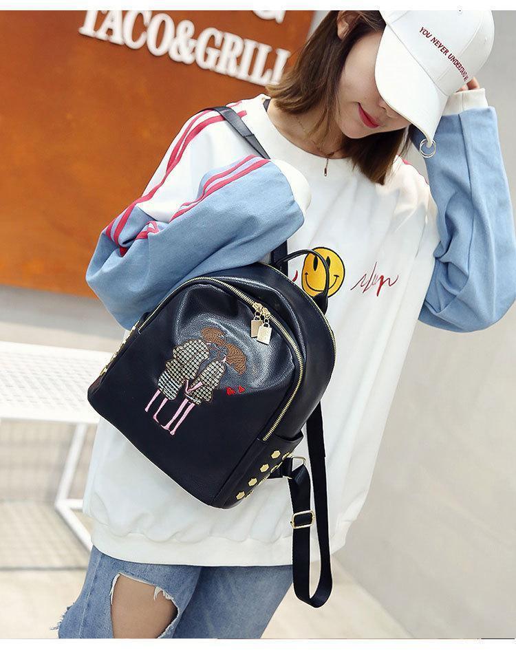 Маленький черный рюкзак женский Love экокожа молодежный