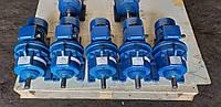 Мотор-редуктор 4МП25-22,4  с 0,18 квт 1000 об.мин АИР63А6