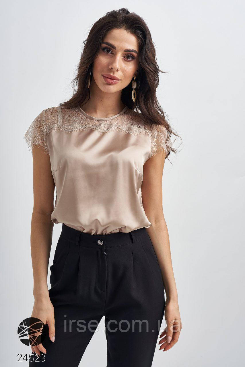 Шелковая блуза с кружевной вставкой бежевого цвета. Модель 24523. Размеры 42-50