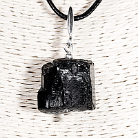 Кулон с самородком шерла черным турмалином, серебро, 20*20 мм., 1305КЛШ