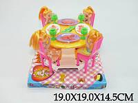 Мебель 4 куколки,с посудой,под слюдой 19*19*15см /72-2/