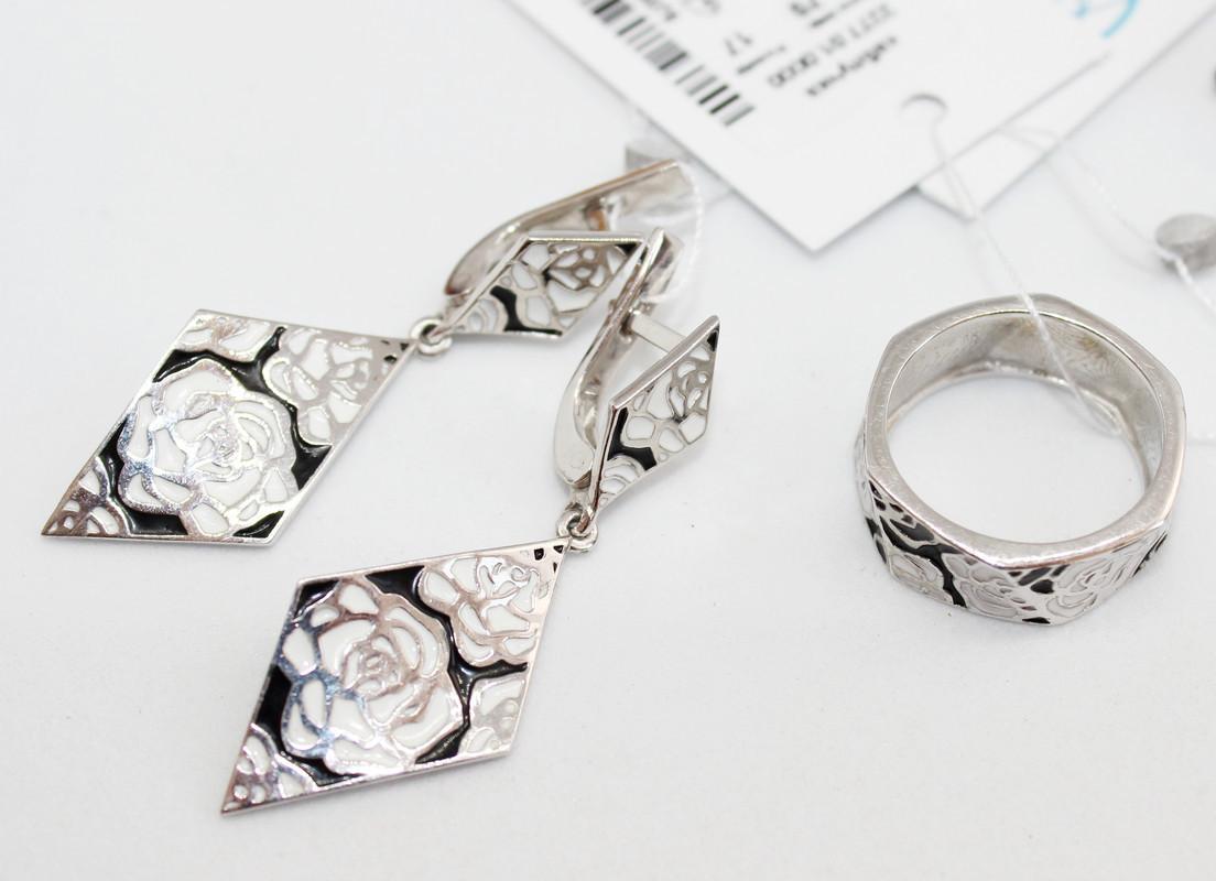 Серебряные серьги и кольцо с бело-черной эмалью Роза