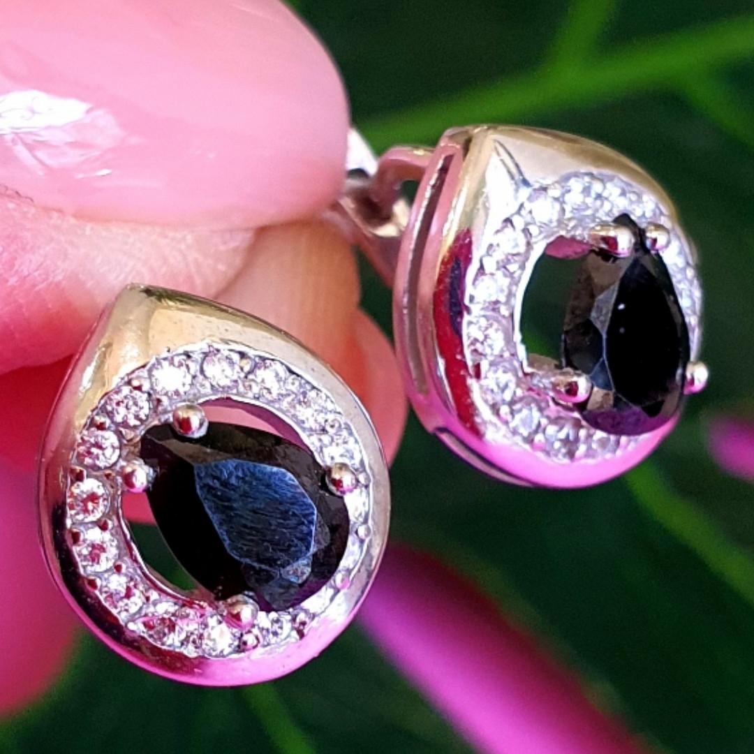Серебряные серьги с черным цирконием