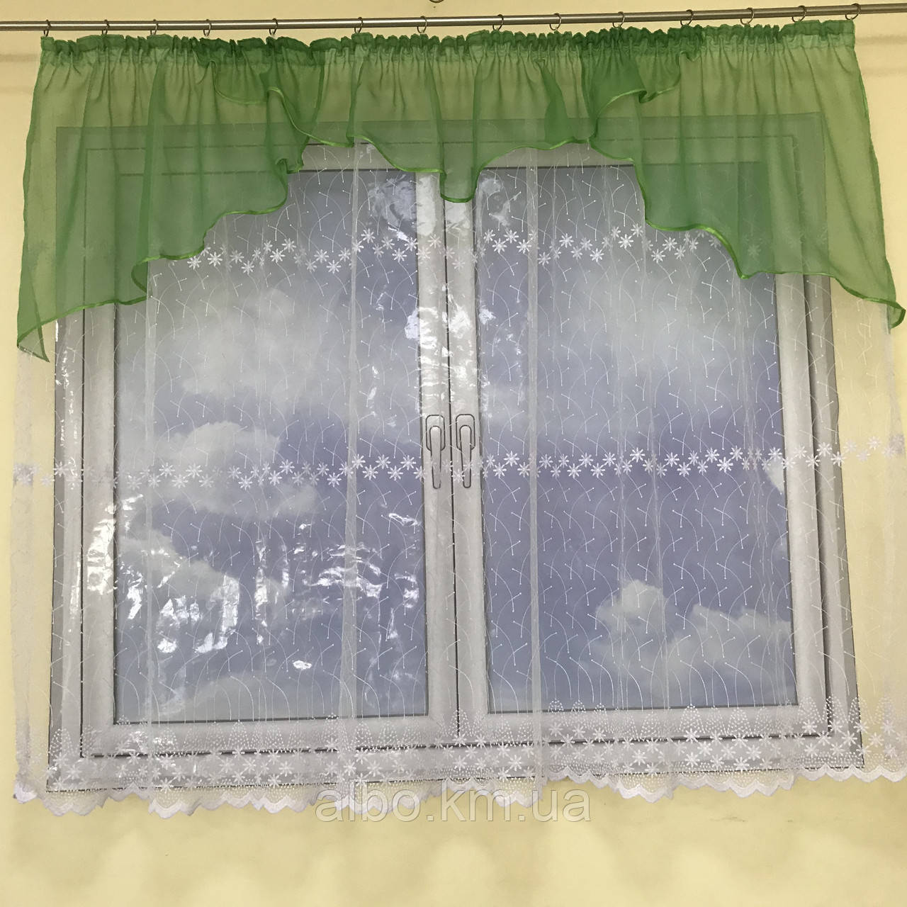 Короткая тюль для спальни из фатина ALBO 300x160 cm Бело-зеленая (KU-125-8)