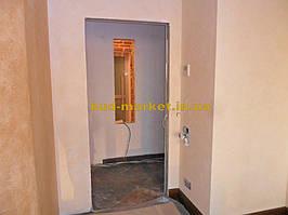 Установка межкомнатных дверей с витражными стеклами + подрезка и монтаж плинтусов 1