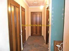 Установка межкомнатных дверей с витражными стеклами + подрезка и монтаж плинтусов 4