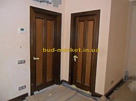 Установка межкомнатных дверей с витражными стеклами + подрезка и монтаж плинтусов 5