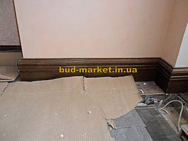 Установка межкомнатных дверей с витражными стеклами + подрезка и монтаж плинтусов 7