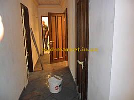 Установка межкомнатных дверей с витражными стеклами + подрезка и монтаж плинтусов 19