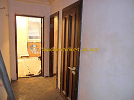 Установка межкомнатных дверей с витражными стеклами + подрезка и монтаж плинтусов 20