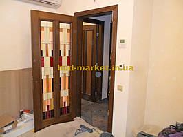 Установка межкомнатных дверей с витражными стеклами + подрезка и монтаж плинтусов 22