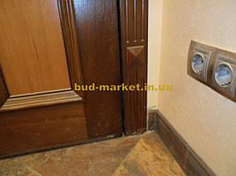 Установка межкомнатных дверей с витражными стеклами + подрезка и монтаж плинтусов 25