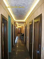 Установка межкомнатных дверей с витражными стеклами + подрезка и монтаж плинтусов 29