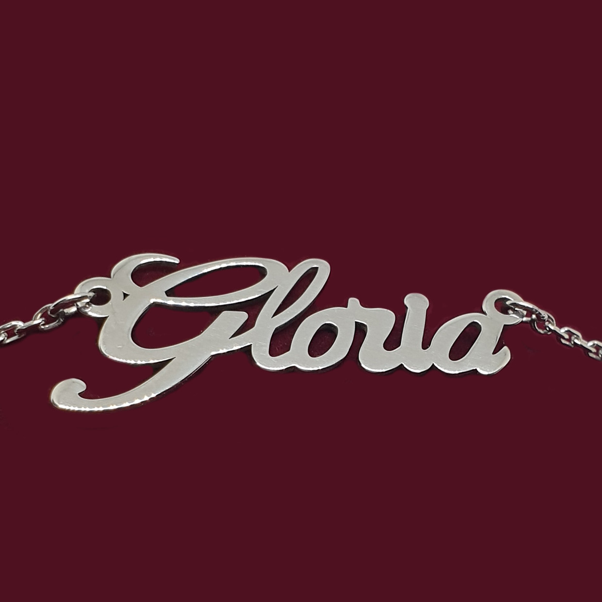 Серебряное колье с именем Gloria