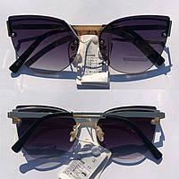 Стильные солнцезащитные очки Atmosfera Cat Eye, золотая оправа овальной формы.