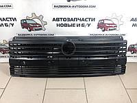 Решетка радиатора VW Transporter T4 (90-03) С ДЕФЕКТОМ, фото 1