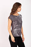 Летняя футболка женская из вискозы с растительным принтом серая Zap 0240S-11, фото 3