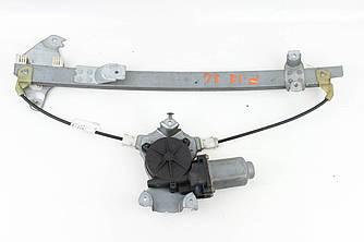 Стеклоподъёмник задний левый электр (без моторчика) Nissan Primera (P12) 02-09 (Ниссан Примера П12)  82701AV610
