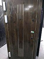 Двери входные с нержавеющими вставками 960*2050 Метал/МДФ