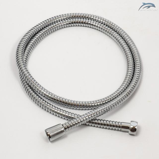 Гибкий шланг для душевой колонны WEMI SWT-01 применяется для подключения лейки ручного душа, длина 1,5 метра.