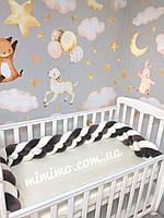 Бортик косичка в детскую кроватку, серый цвет