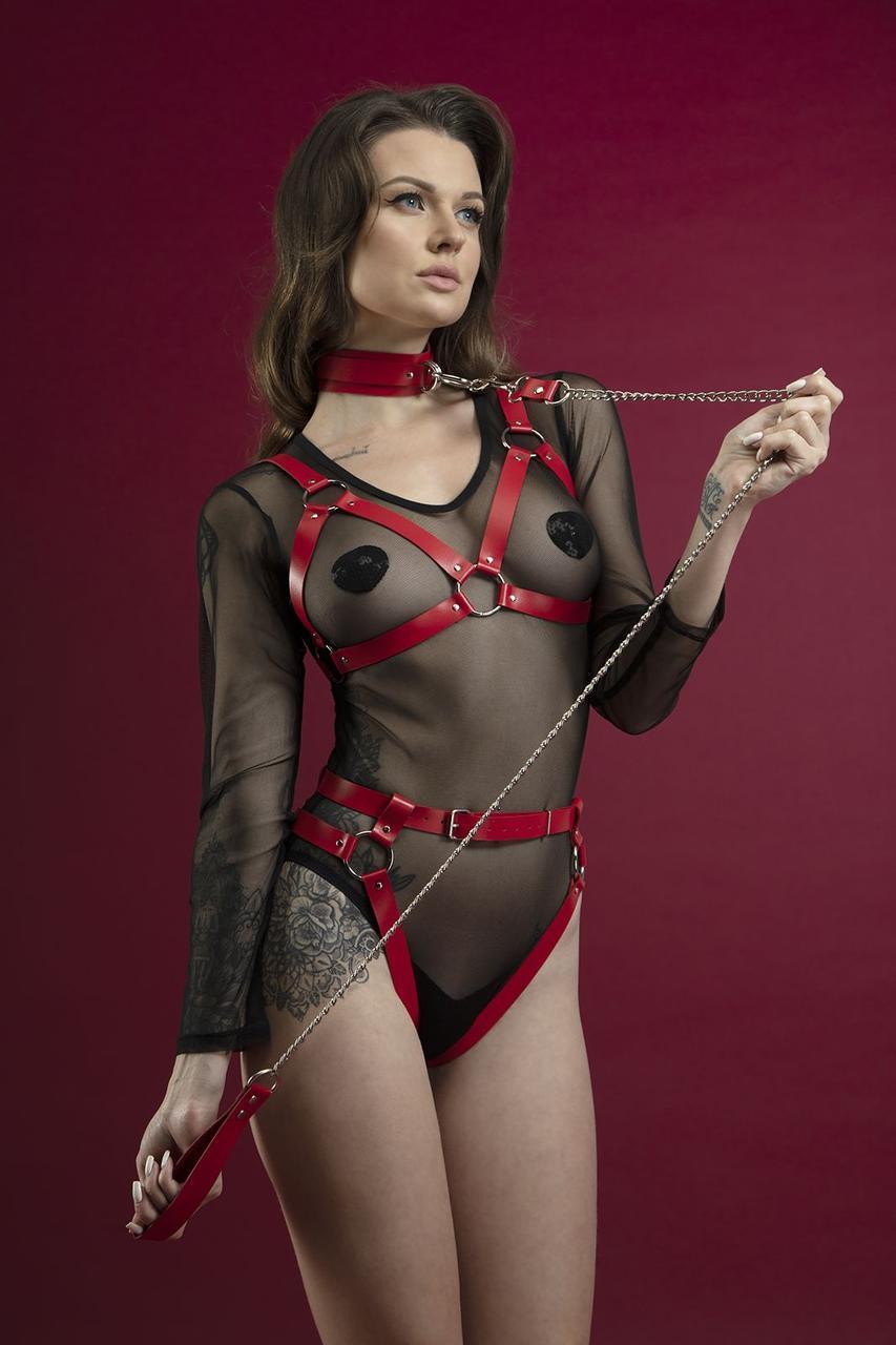 Повідець Feral Feelings - Chain Leash червоний, металевий ланцюг зі шкіряною петлею і карабіном     18+