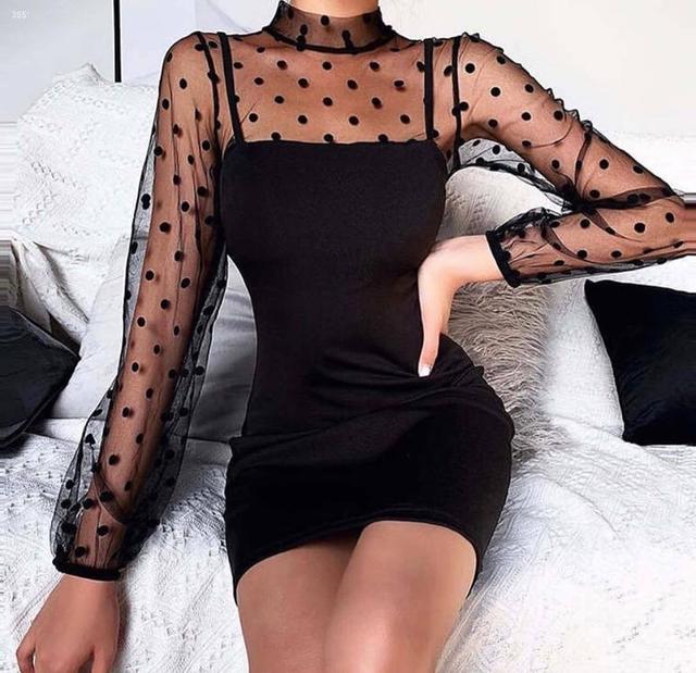 Чорне міні сукня з рукавами із сітки в горошок