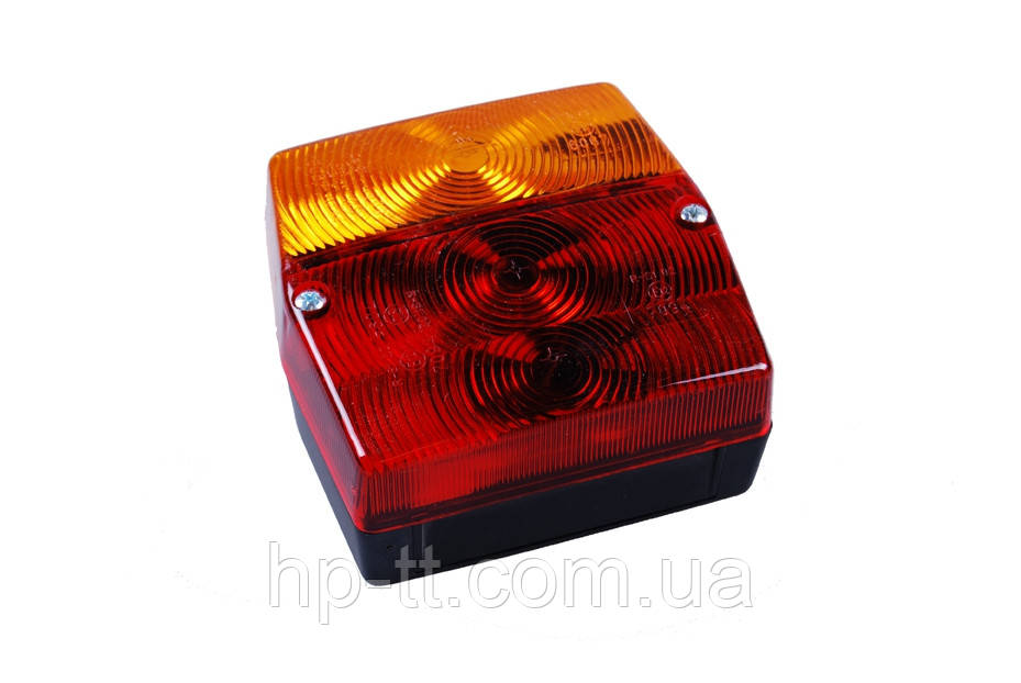 Трехкамерный фонарь правый Geka 10862