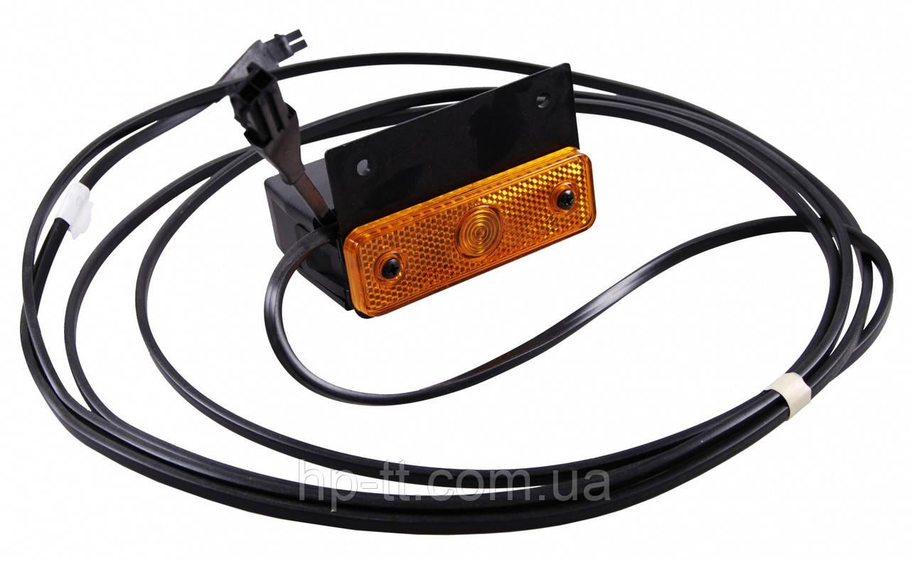 Боковой оранжевый контурно-габаритный фонарь с отражателем на кронштейне с проводом Aspock Sidepoint 10544