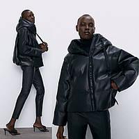 Модный черный пуховик с капюшоном
