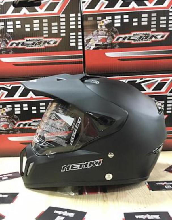 Черный матовый эндуро мото шлем с визором