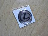 Наклейка s круглая Lexus 20х20х1.2мм силиконовая фон серебристый знак черный на авто Лексус, фото 3