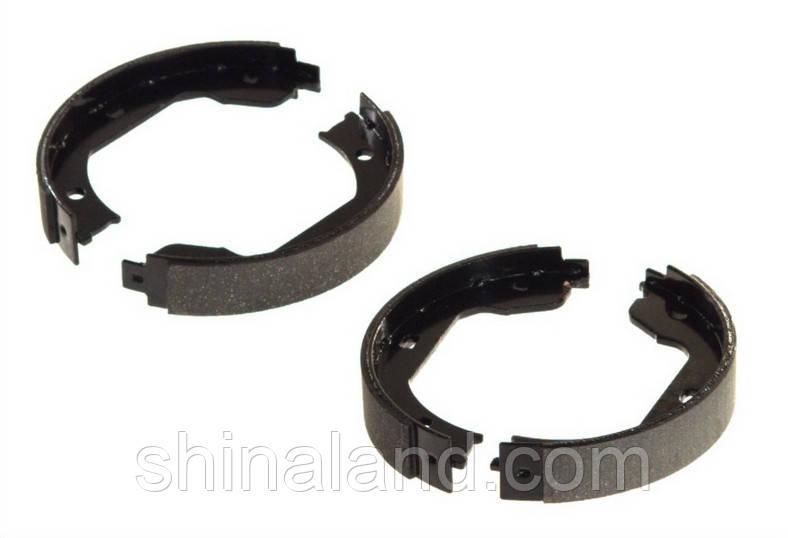 Тормозные колодки барабанные BMW, RENAULT, VW задние (Bosch) OE 34411156546