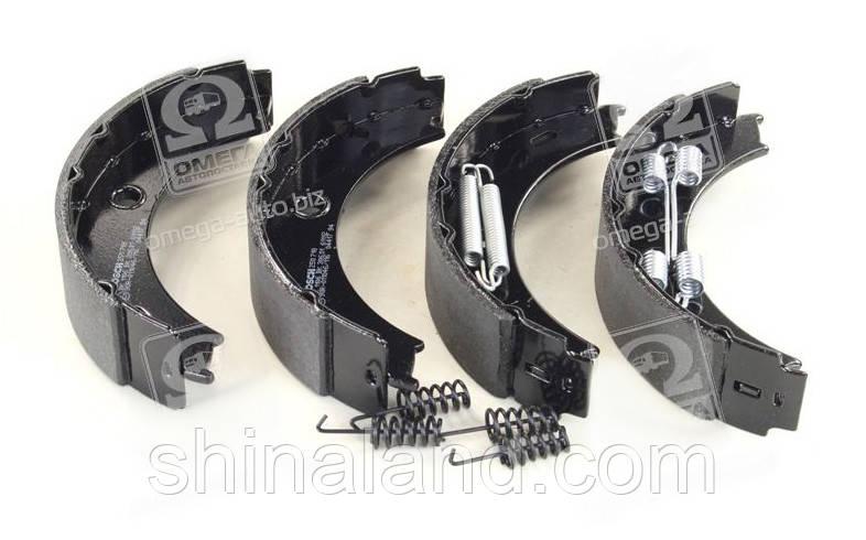 Тормозные колодки барабанные MB SPRINTER, LT28-46 задние (Bosch) OE 2D0698525A