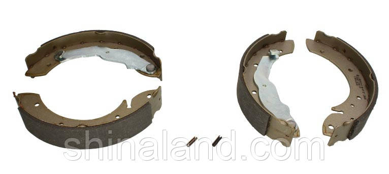 Тормозные колодки барабанные задние BMW 3 (E36) 1.6-1.8 09.90-08.00 Bosch OE 34211160504