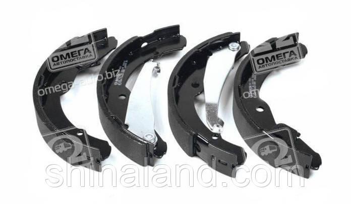 Тормозные колодки барабанные SKODA OCTAVIA, VW CADDY I задние (Bosch) OE 1J0698525