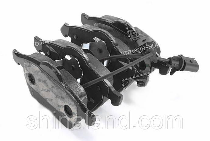 Тормозные колодки дисковые AUDI A4, A6, SKODA SUPERB, VW PASSAT передние (Bosch) OE 4B0698151K