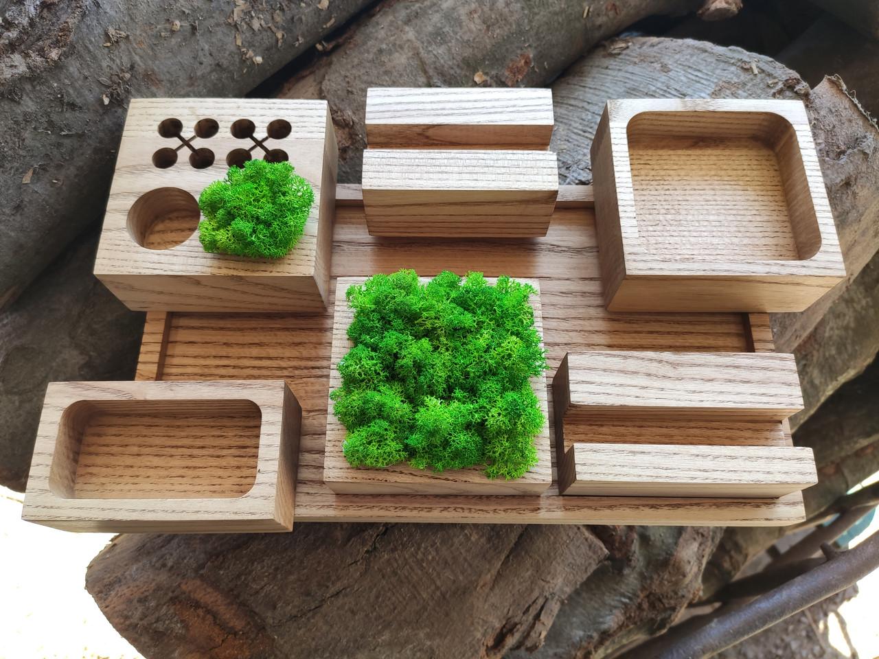 Органайзер для канцтоваров с мохом