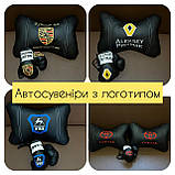 Подушки декоративные с лого автомобиля, подголовники в салон авто, фото 9