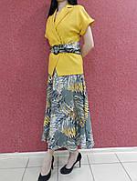 Женский летний костюм-двойка: платье миди с принтом и однотонный горчичный жакет, офисный, деловой, нарядный