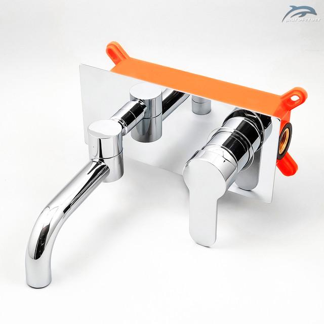 Смеситель скрытого монтажа для умывальника SGR-02 с поворотным гусаком.