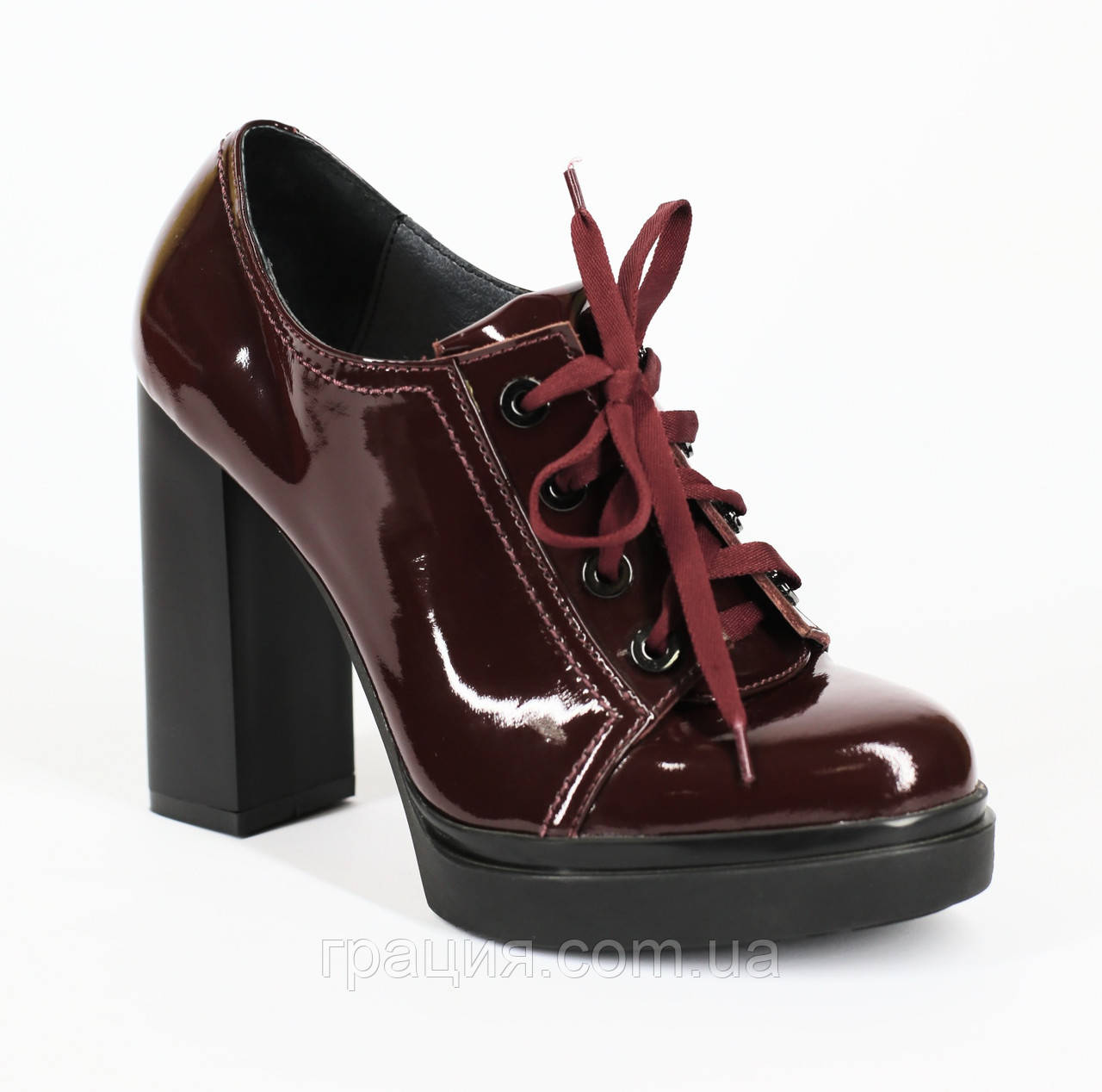 Модные лаковые-натуральные туфли на высоком каблуке со шнуровкой бордовые