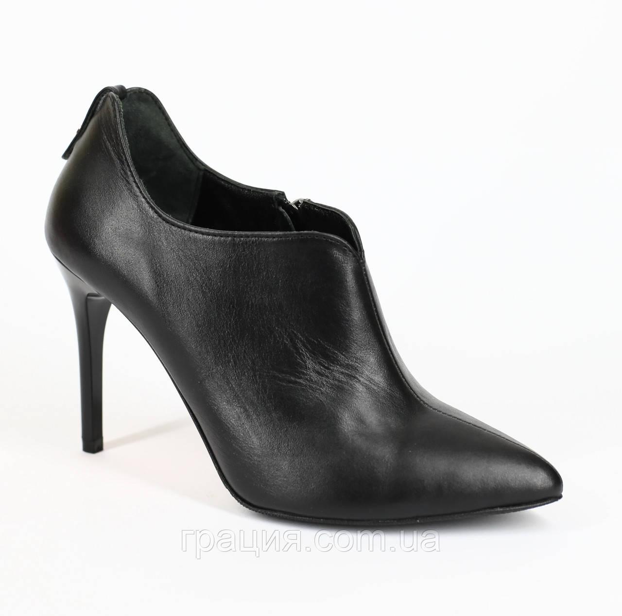 Туфли кожаные женские закрытые на шпильке