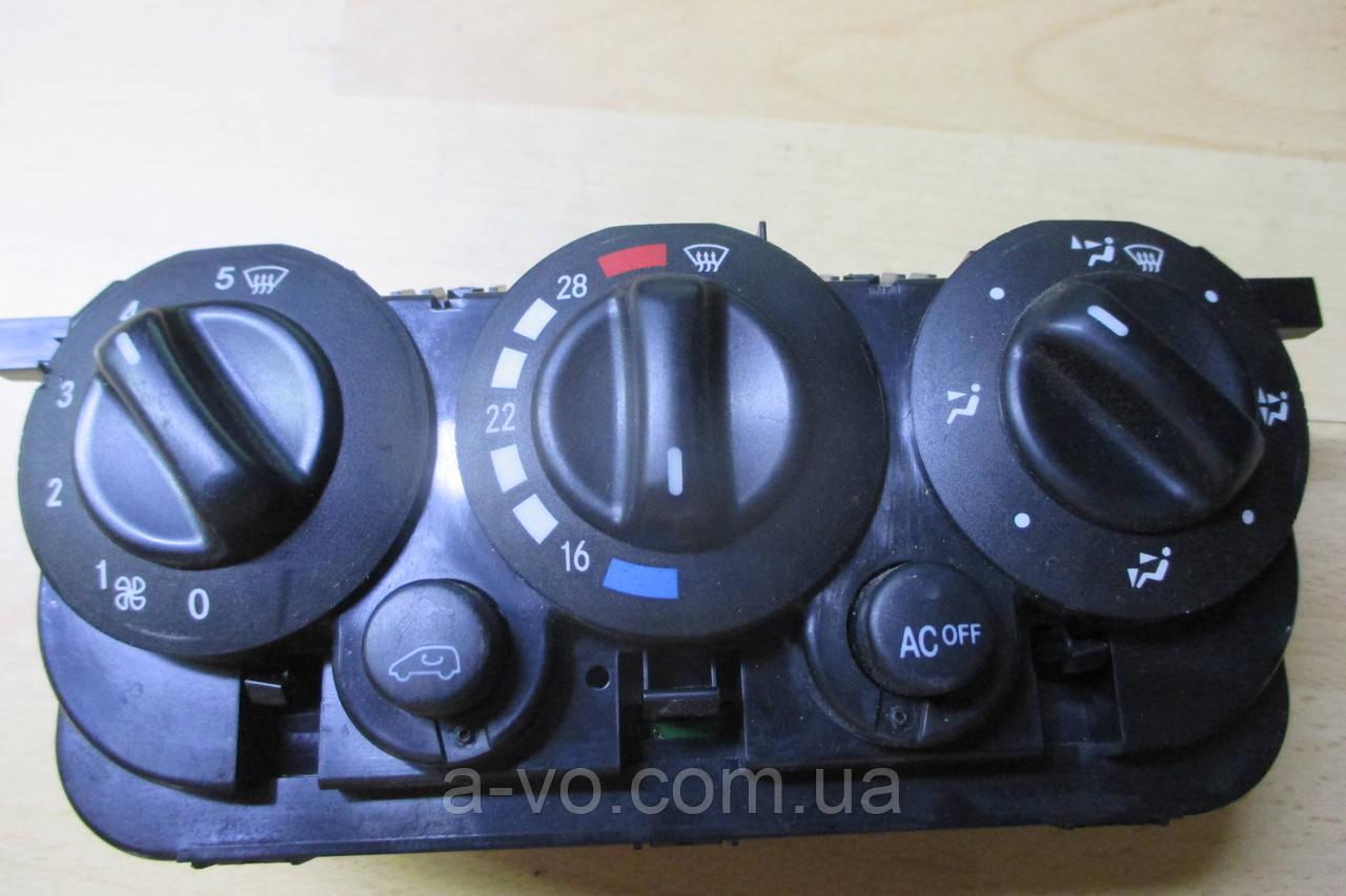 Блок панель управления климат контролем печкой Mercedes W168 ,1688302185