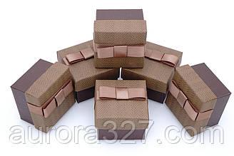 Паперова коробка для кільця коричневий.
