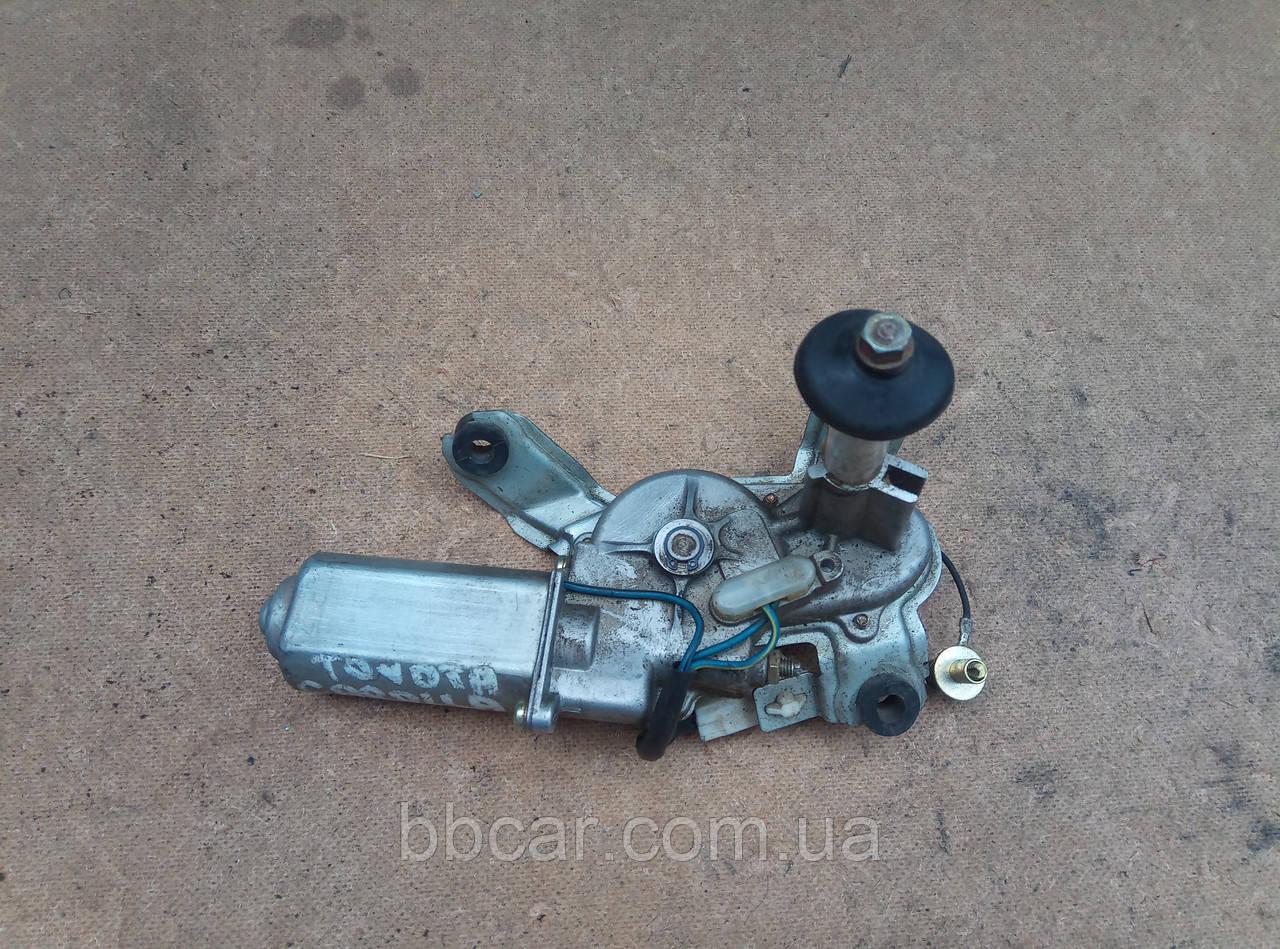 Моторчик стеклоочистителя (задний) Toyota Corolla E-10  Denso 85130-12820
