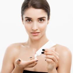 Базы и фиксаторы для макияжа