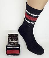 """Мужские высокие носки """"Multi Brand"""". Р-р 42-45. Черный цвет с красными и белыми полосами. (Розница)."""