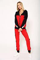 Красный спортивный костюм с капюшоном и декором в виде черно-белых полос