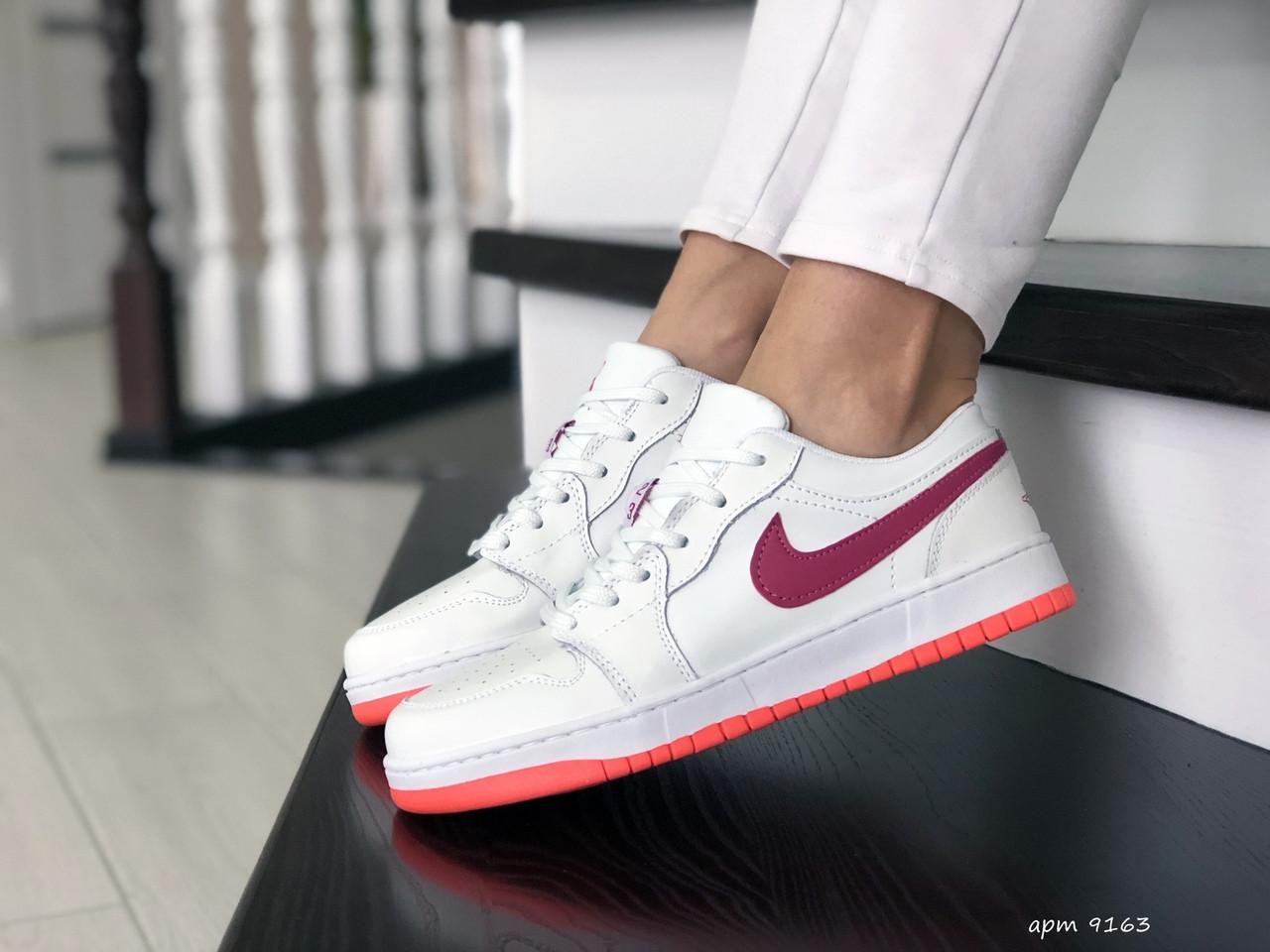 Женские кроссовки (в стиле) Nike Air Jordan 1 Low,белые с розовым